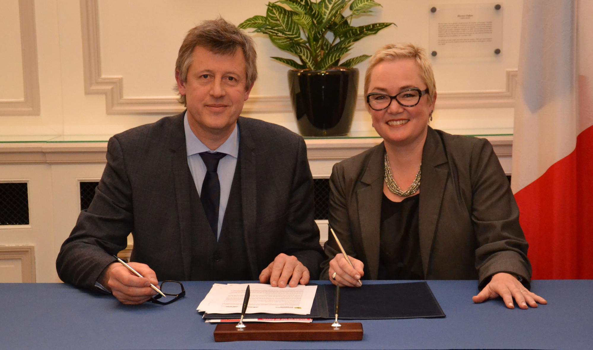 Photo signature entente France